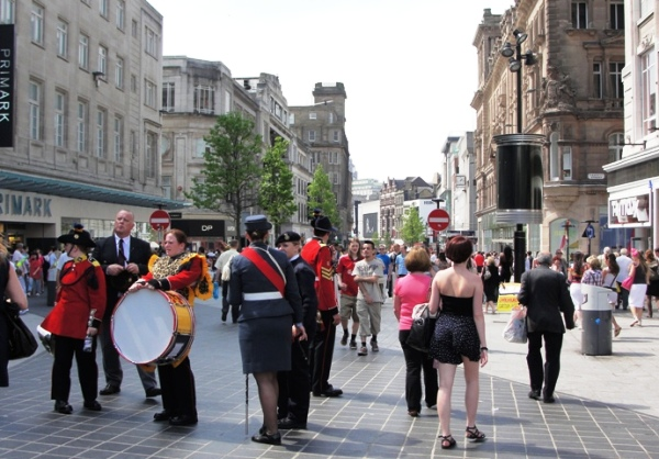 10.06.05   Liverpool Church Street bandspeople and strollers 007aaa 600x418